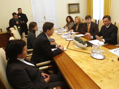 Premier Pahor s predstavniki MOP na sestanku z Zasavčani